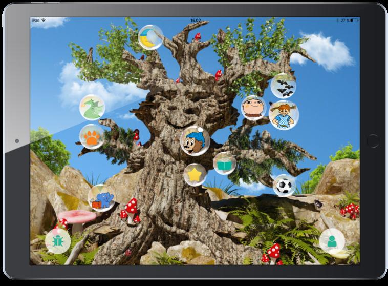 Eventyr-træ med bøger for børn